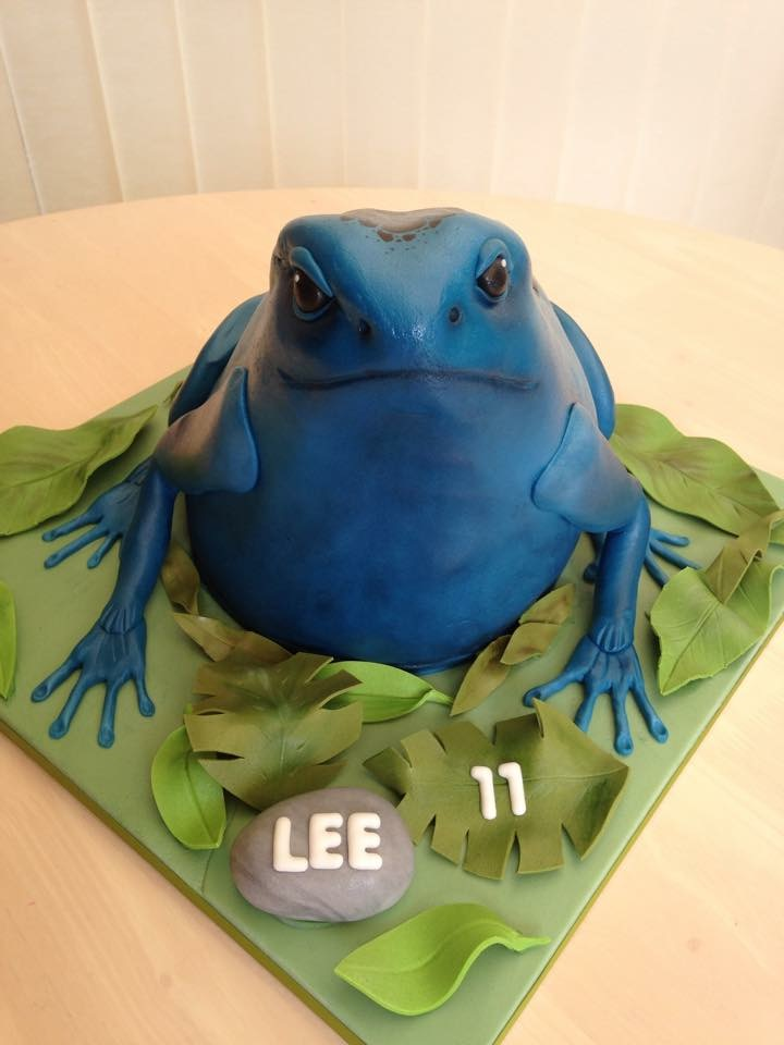 Blue Poison Dart Frog by Lesley's Cake Design
